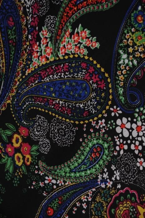 Sukienka damska z długim rękawem, zwiewna kreacja w oryginalnym wzorze 28073