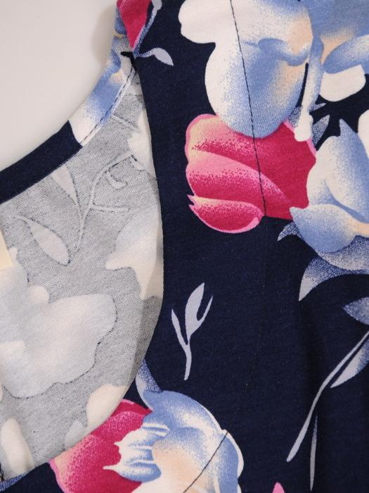 Sukienka w kwiaty, elastyczna kreacja z dzianiny 20492.