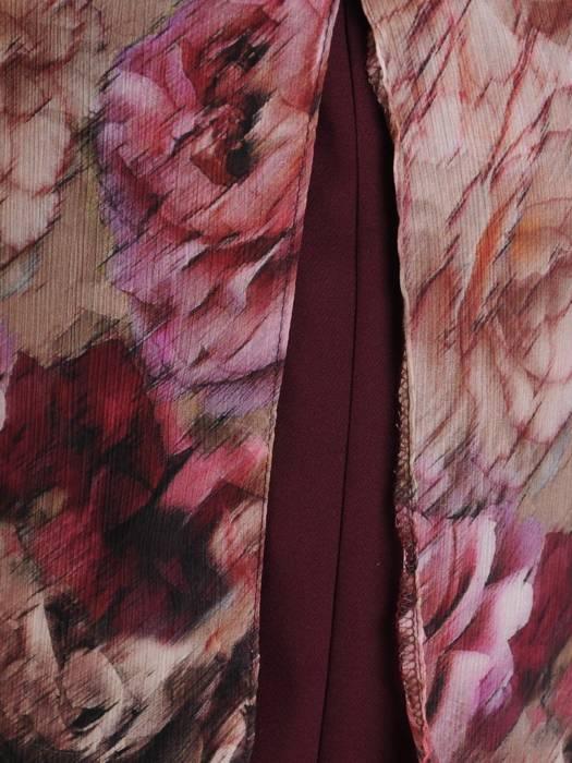 Sukienka w kwiaty, kreacja z modnym półgolfem 27339