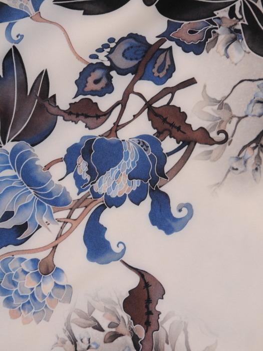 Sukienka w kwiaty, zwiewna kreacja w luźnym fasonie 21284.