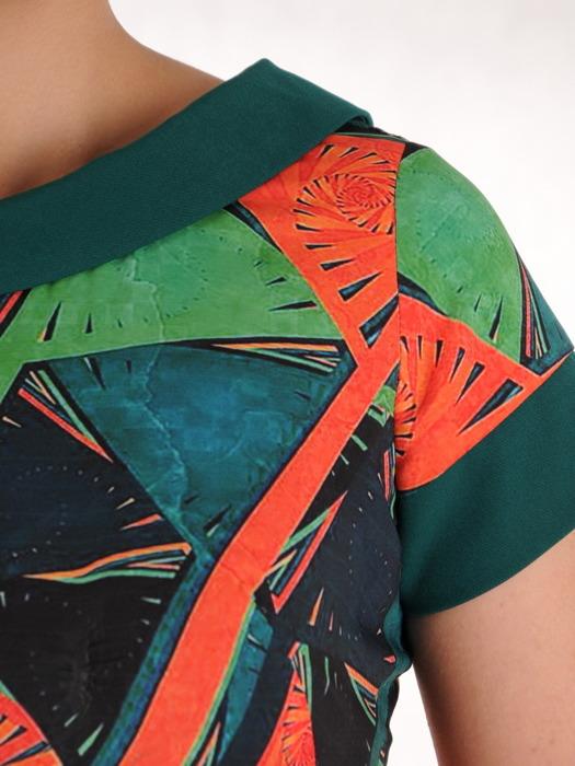 Sukienka w wyszczuplającym wzorze, prosta kreacja z tkaniny 20523.
