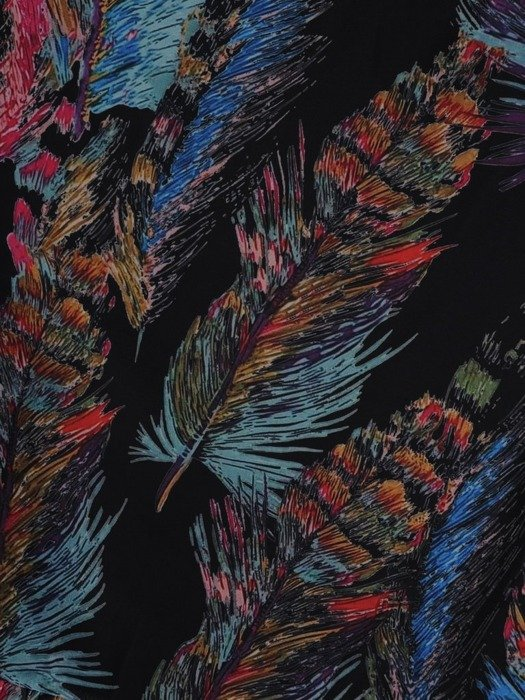 Sukienka wiosenna, zwiewna kreacja z ozdobną falbaną 25444