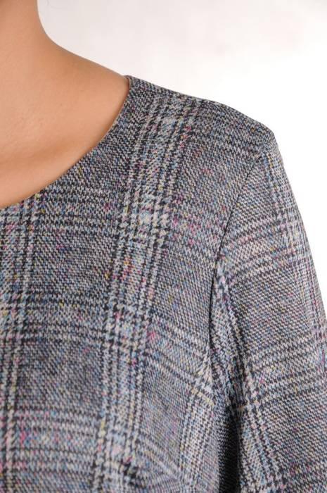 Sukienka wyszczuplająca, modna kreacja na zimę 28032