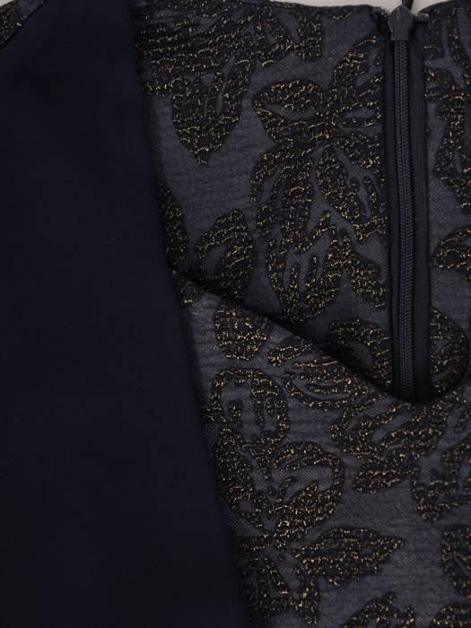 Sukienka wyszczuplająca, modna kreacja w nowoczesnym fasonie 28556