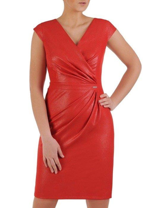 Sukienka wyszczuplająca talię, czerwona kreacja kopertowa 25113