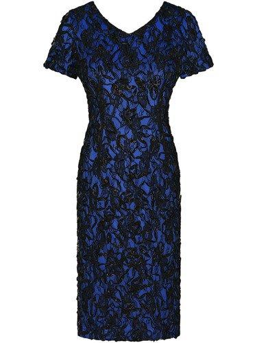 Sukienka z dekoracyjnej koronki Elmira II, piękna kreacja na wieczór.