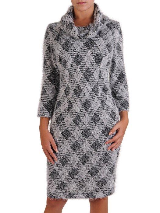 Sukienka z kominem Krystyna XX, jesienna kreacja w geometrycznym wzorze.