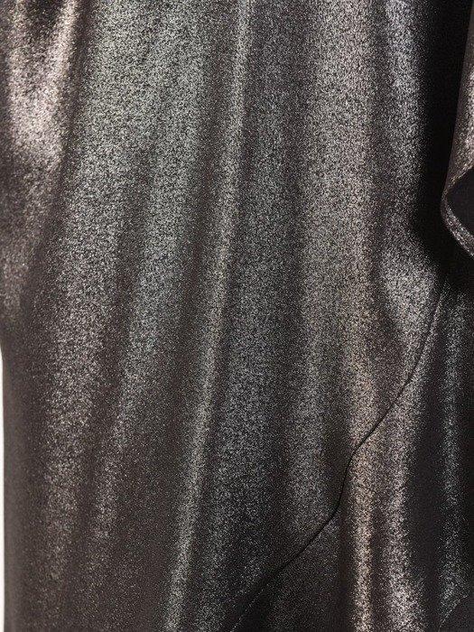 Sukienka z kopertową zakładką, błyszcząca kreacja z falbaną 23828