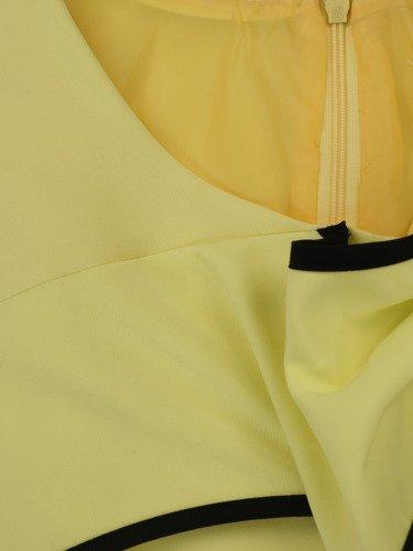 Sukienka z ozdobną kokardą Żaklina III, elegancka kreacja koktajlowa.