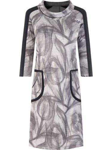 Sukienka z ozdobnymi kieszeniami Dioniza I, nowoczesna kreacja z dzianiny.