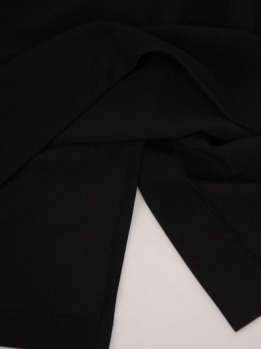 Sukienka z zakładkami Łucja II, elegancka kreacja z efektownym marszczeniem.