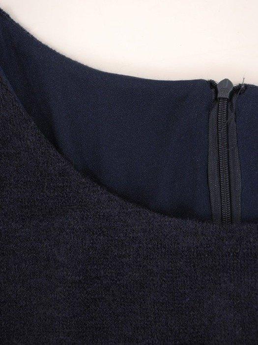 Trapezowa kreacja, granatowa sukienka w pepitkę 26793