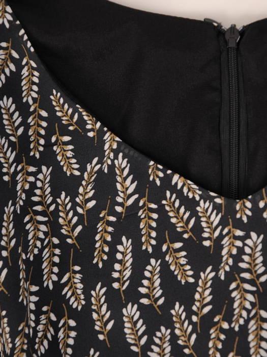 Trapezowa sukienka z falbanami, kreacja z gumkami na rękawach 30672