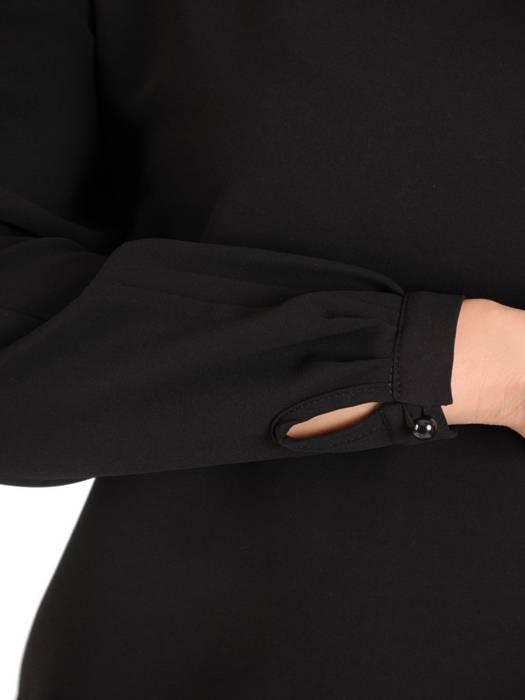 Uniwersalna, skromna i jednocześnie elegancka czarna bluzka 27933