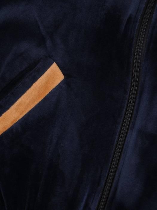 Welurowy dres zapinany na suwak z kontrastowymi wstawkami 27847