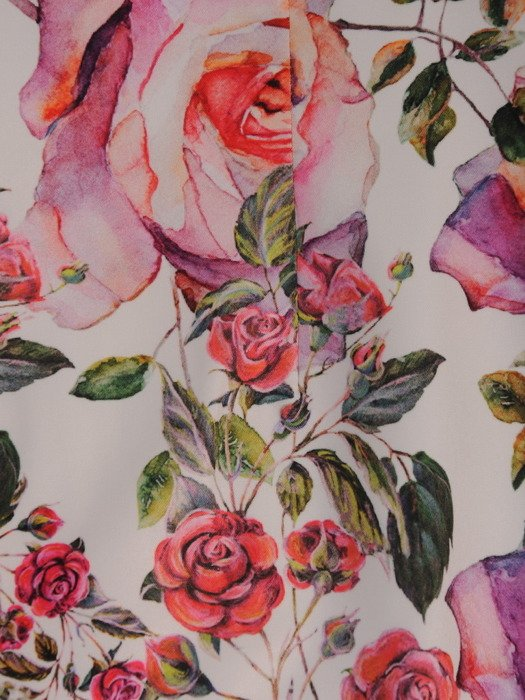 Wyszczuplająca sukienka bez rękawów 16988, prosta kreacja w kwiaty.