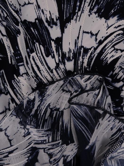 Wyszczuplająca sukienka z klinami, elegancka kreacja w kwiaty 21509