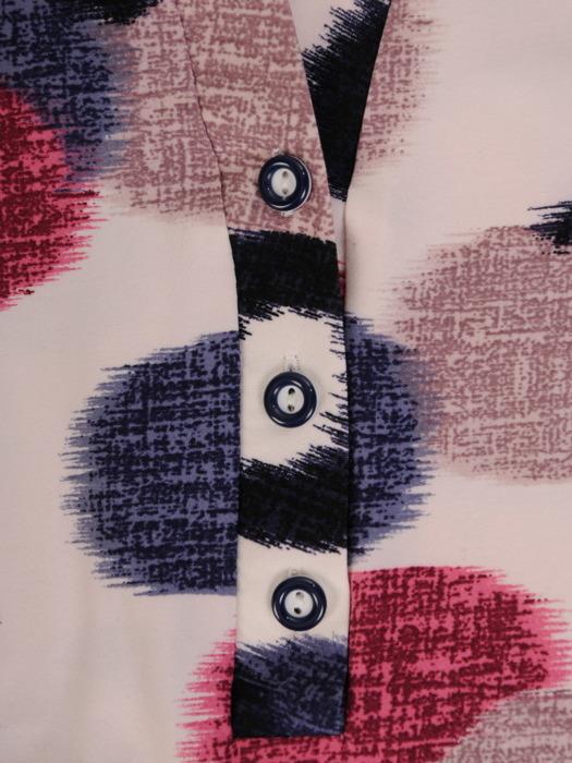 Wzorzysta bluzka z rozpinanym dekoltem 16220