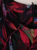 Rozkloszowana sukienka w oryginalny wzór, wyszczuplająca kreacja z paskiem 30744
