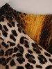 Sukienka w panterkę, prosty fason z dekoltem w serek 25717