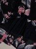 Szyfonowa sukienka o trapezowym kroju, kreacja z oryginalnym nadrukiem 25266